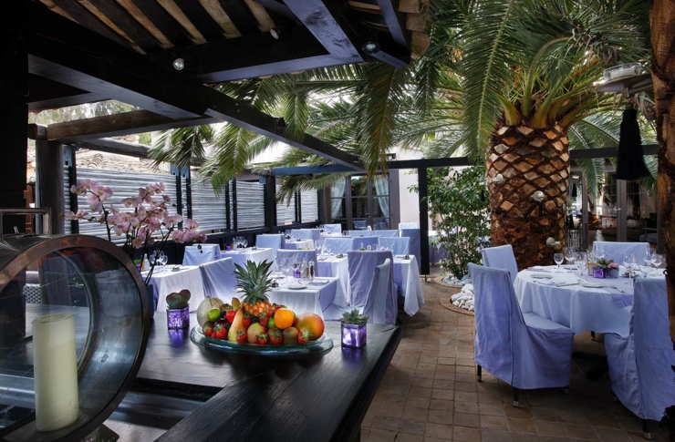 open air French Riviera hotels luxury restaurant