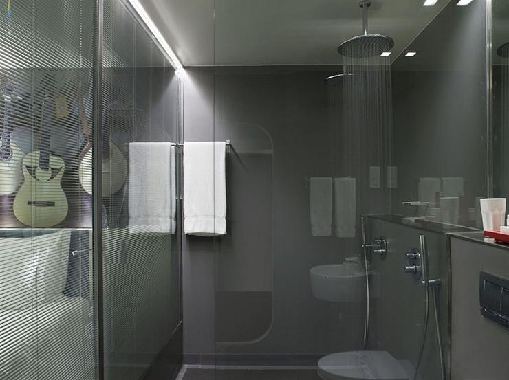 rain showers in this luxury lisbon hotel - Luxury Rain Showers