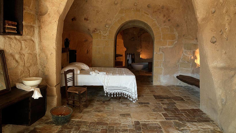 Amazing Guestroom with Ancient Rome Touch