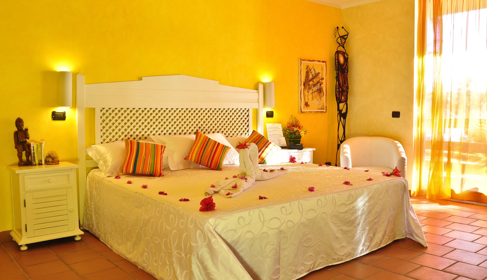 Enjoy the Romantic Atmosphere in Cozy Fresh Decorated Room