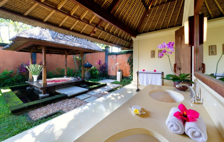 small villa exotic garden bali luxury spot