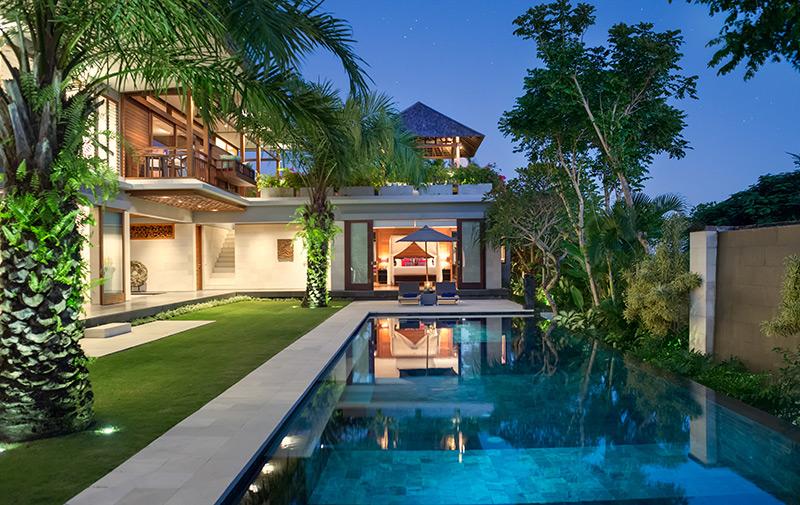 Super holiday luxury villa in canggu bali for Anda garden pool villas