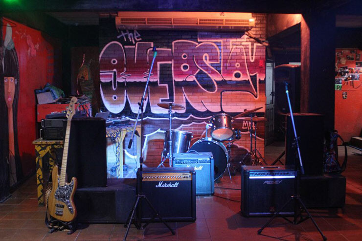 live music venue at overstay hostel in bangkok