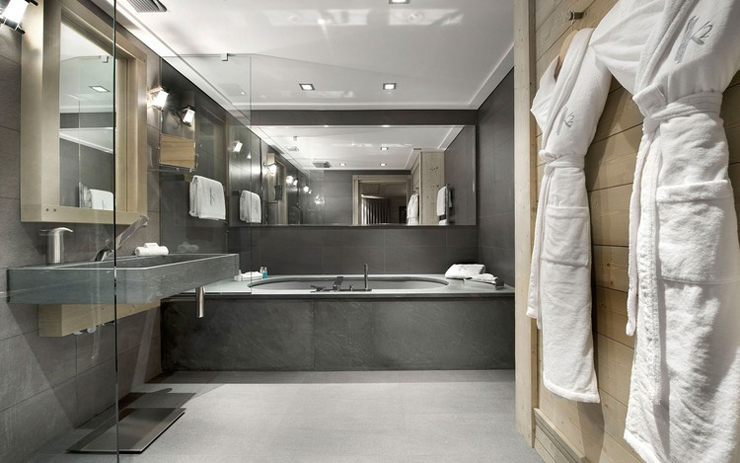 Baltoro luxury French Alpes ski chalet bathroom