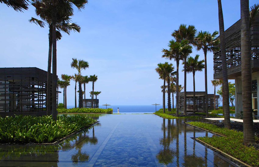 big infinity pool exotic journey luxury suite bali