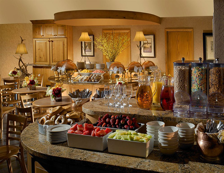 buffet breakfast hotel jackson hole lodge