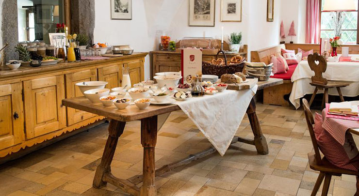 rich breakfast cozy kitchen hotel castle Schloss Prielau, Austria