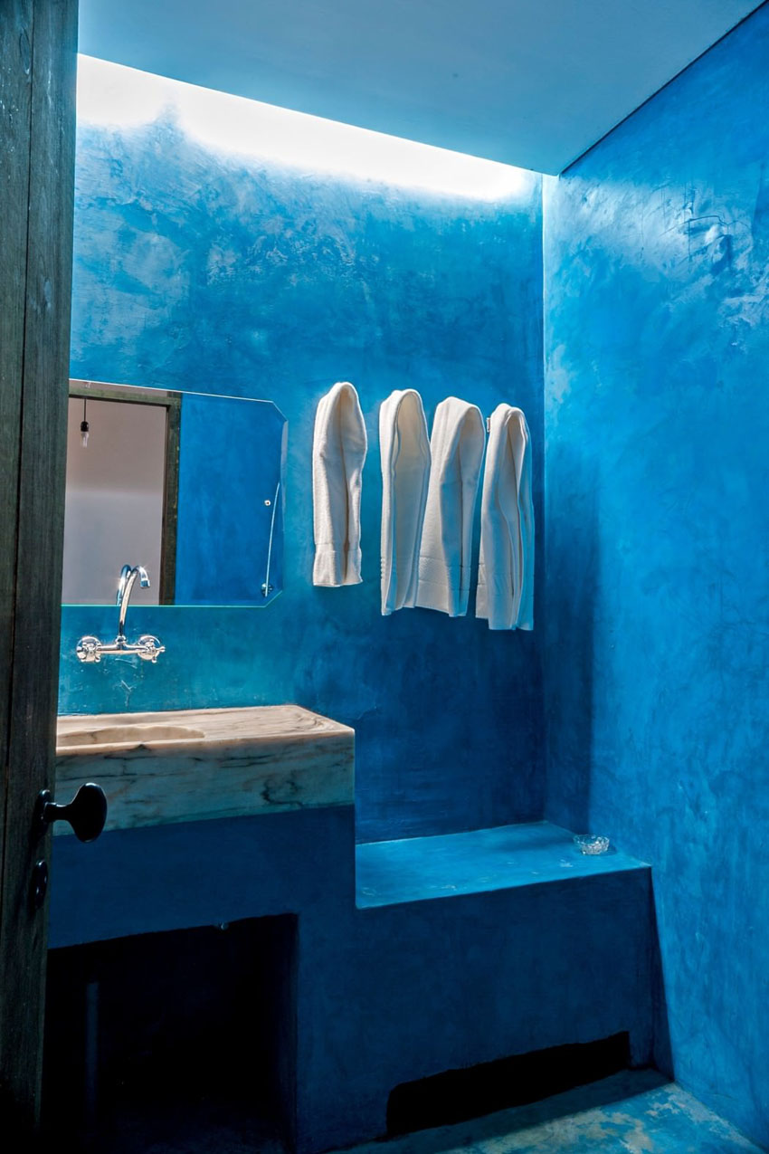 design bathroom blue minimalistic decoration