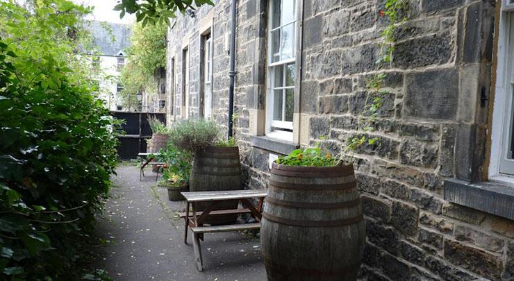 Castle Rock Hostel A Unique Accommodation In The Heart Of Edinburgh