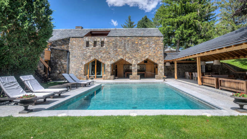 Perfect Swimming Pool Luxury Catalonia Hotel Pyrenees