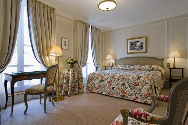royal style and luxury suite