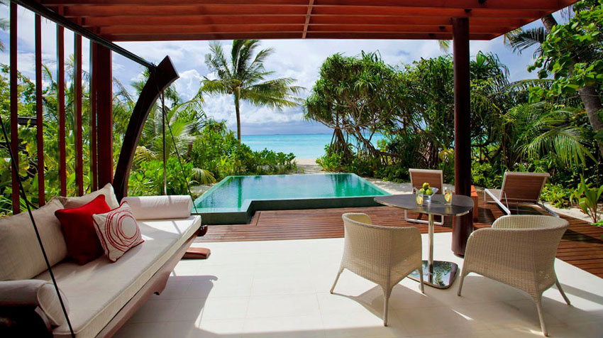private villa access to the beach luxury destination Maldives