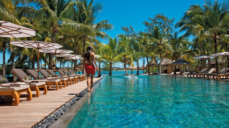 beach-front outdoor infinity pool mauritius resort