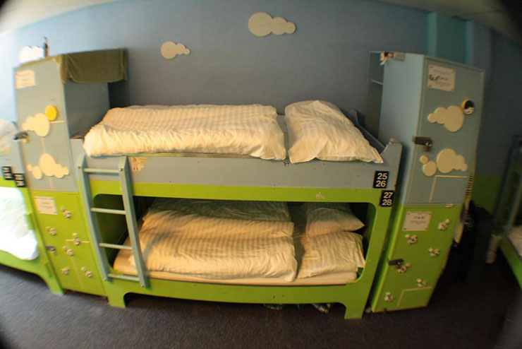 queen size bunk beds in amsterdam hostel dorms