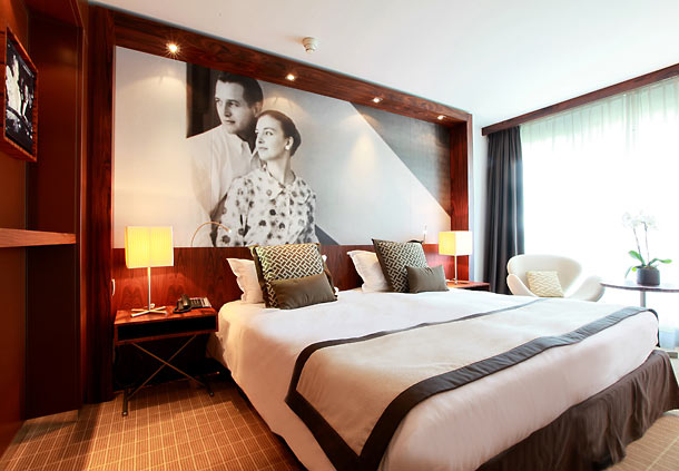 king size bed wall mural hotel cannes