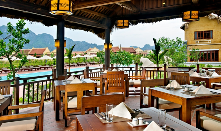 beautiful vietnam emeralda resort restaurant