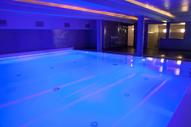 hotstel plus florence indoor swimming pool