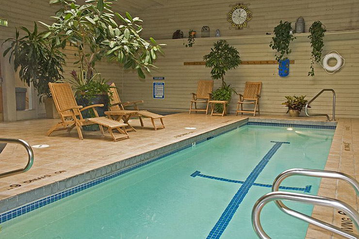 indoor hotel swiming pool winter resort jackson hole