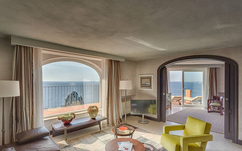 prestigious suite sea view capri faraglioni rocks