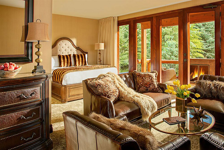 rustic inn hotel suite with balcony