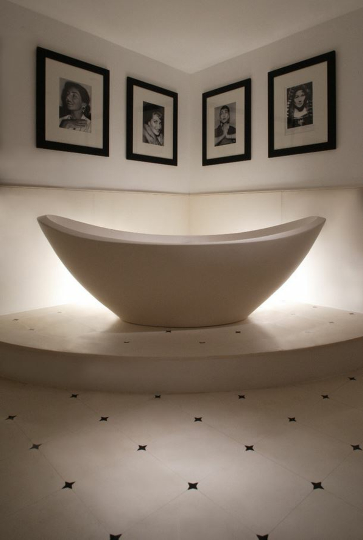 italian design luxury palace bathtub