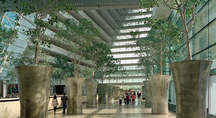 green lobby at luxury hotel marina bay sands in singapore