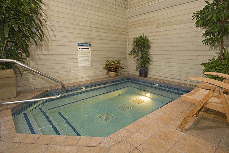 small spa pool relax indoor hotel parkway inn