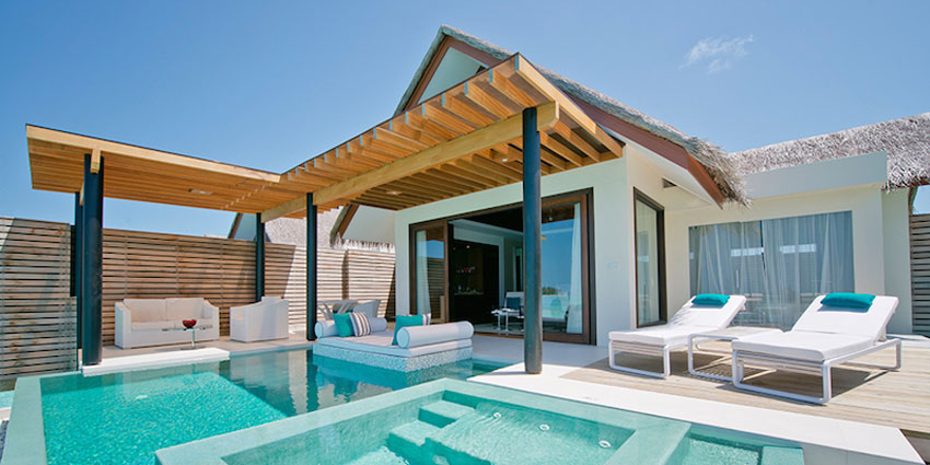 private yard and pool exotic villa Maldives luxury rental