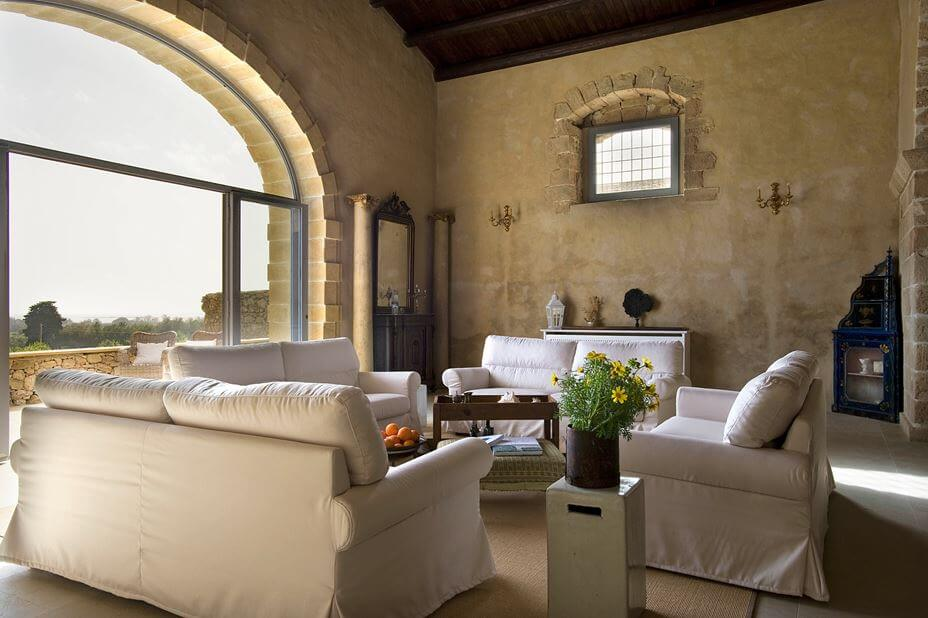 Book Accommodation and Stay in Ancient Rustic Villa in Sicily, Italy