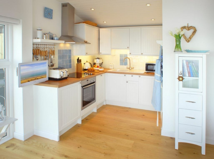 cottage for rent in cornwall kitchen