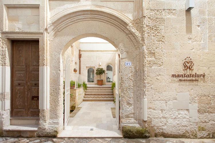 mantatelur house guest italian rustic interior design
