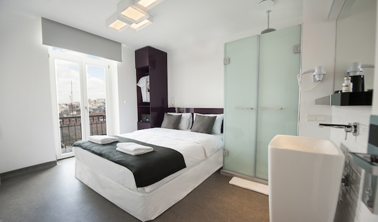 Enjoy istanbul from luxury bunk hostel at taksim square