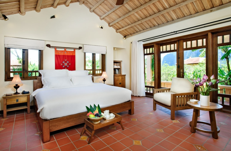 interior style tropical luxe hotel suite in vietnam