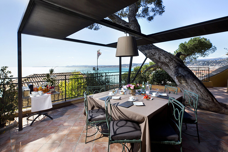 Adorable hotel la perouse in nice for Luxury hotels in nice