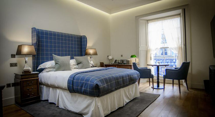 Visit edinburgh and stay at the raeburn for Hotels that offer 2 bedroom suites