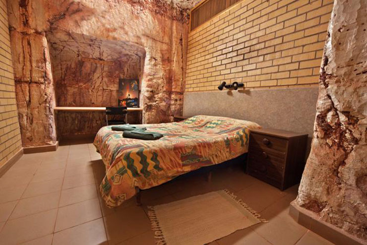 downunder radeka hostel double bed budget room
