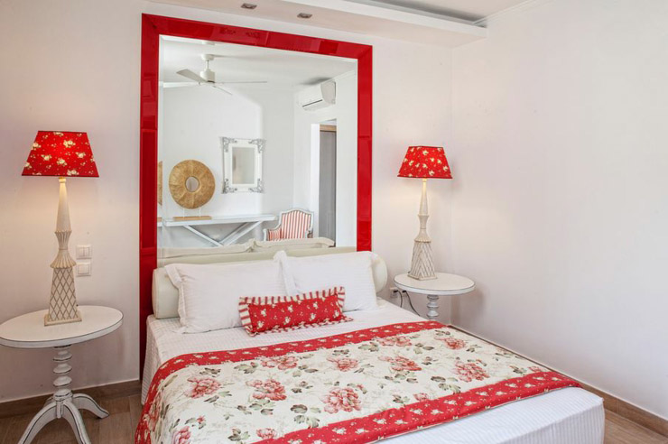stay at corfu villa with nice red bedroom