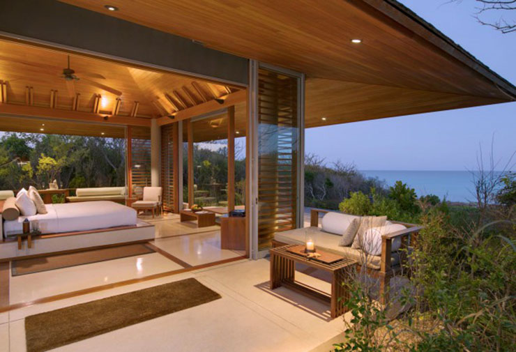 comfort pavilios with spectacular view to the Caribbean sea
