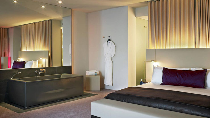 5 Star Luxury Guestroom with King Sized Bed and Bathtub. W Barcelona   Sail Like Hotel in Catalonia