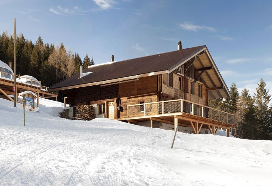 Visit the White Pod Resort and Enjoy Swiss Alps Beauties