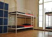 barcelone cheap accommodation hostel dormitory room