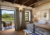 You Can Stay at Luxury Hotel in the Savanna just a 270 km from Cape Town