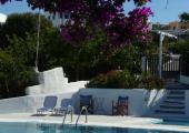 santorini hostel caveland outdoor pool