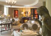 cozy restaurant at chateau de beaulieu