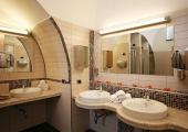 bathroom seven hostel sorrento