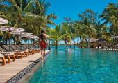 beach-front outdoor infinity pool mauritius resort