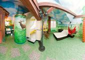 hotel room design inspired by green nature