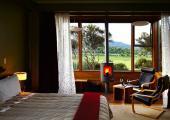 visit new zealand luxury tree houses hotel