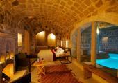 deluxe suite indoor cave pool