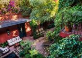 colourfull lush garden villa jardin escondido
